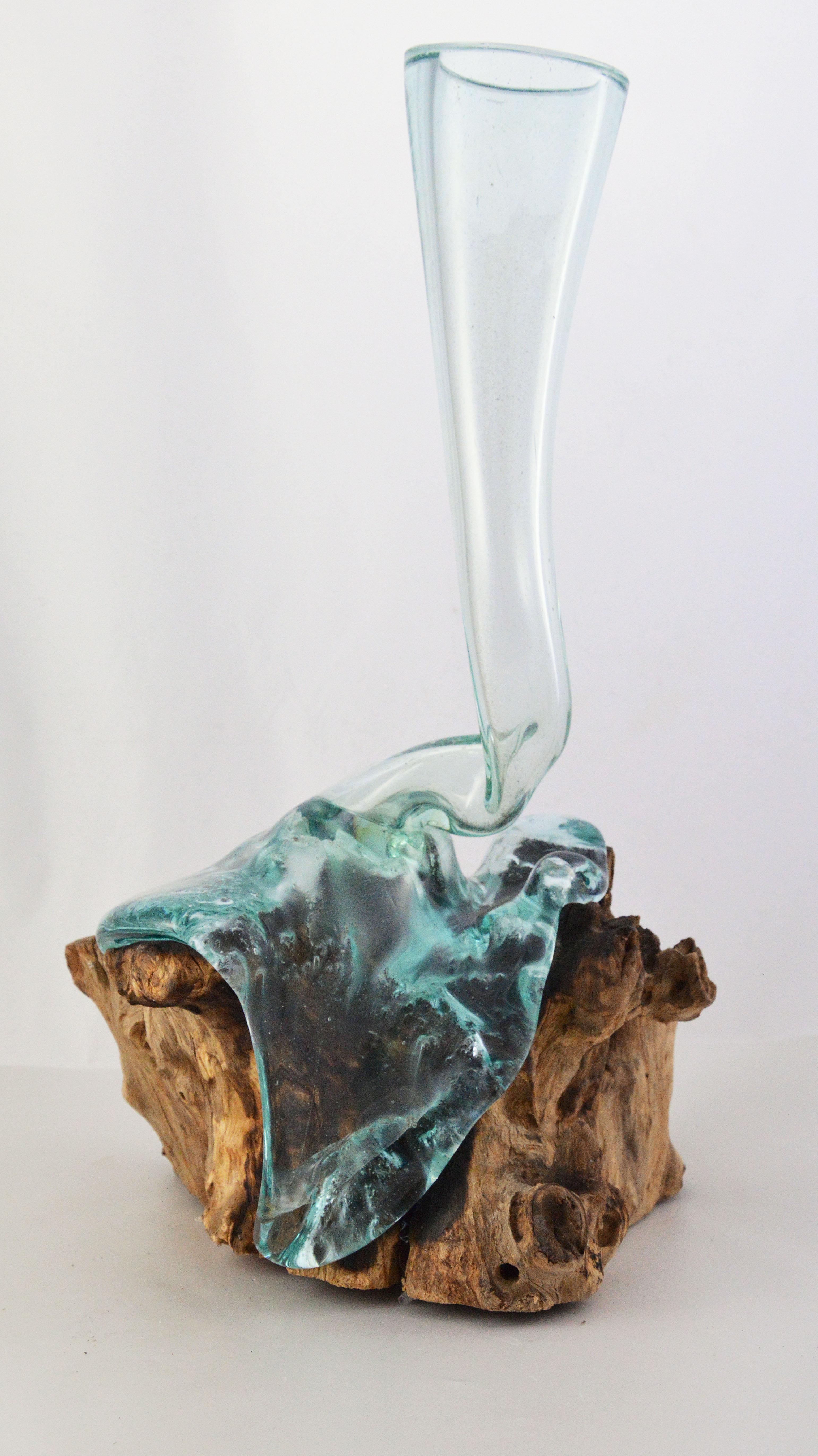 Vaso in vetro e legno